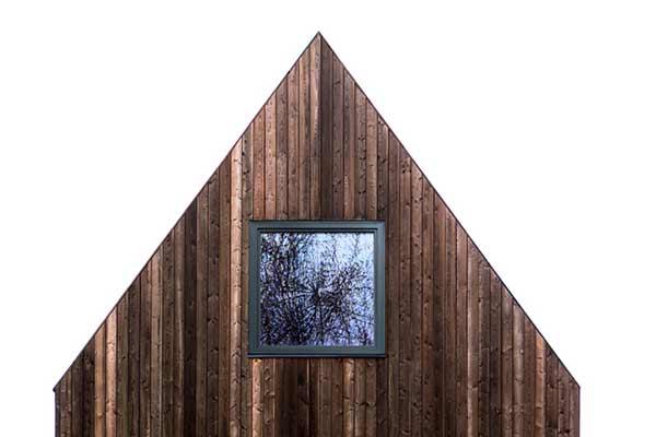 Haus mit Shou Sugi Ban-Fassade