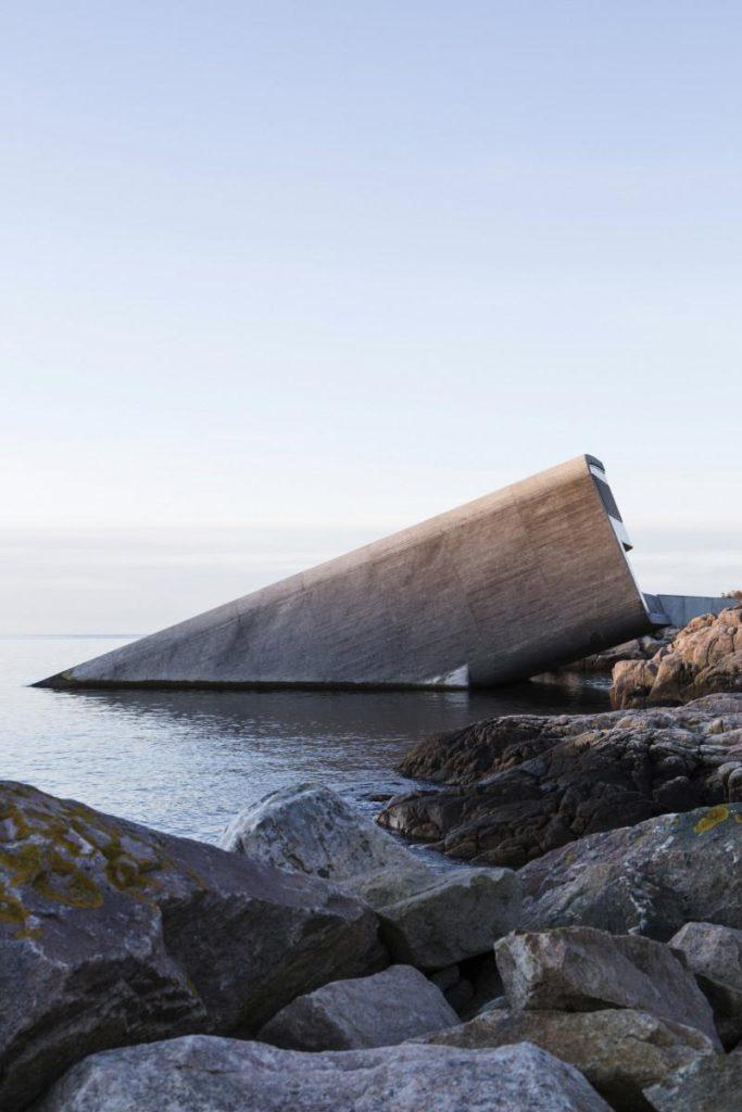 Meeresforschung im UW-Restaurant © Inger Marie Grini _ Bo Bedre Norge
