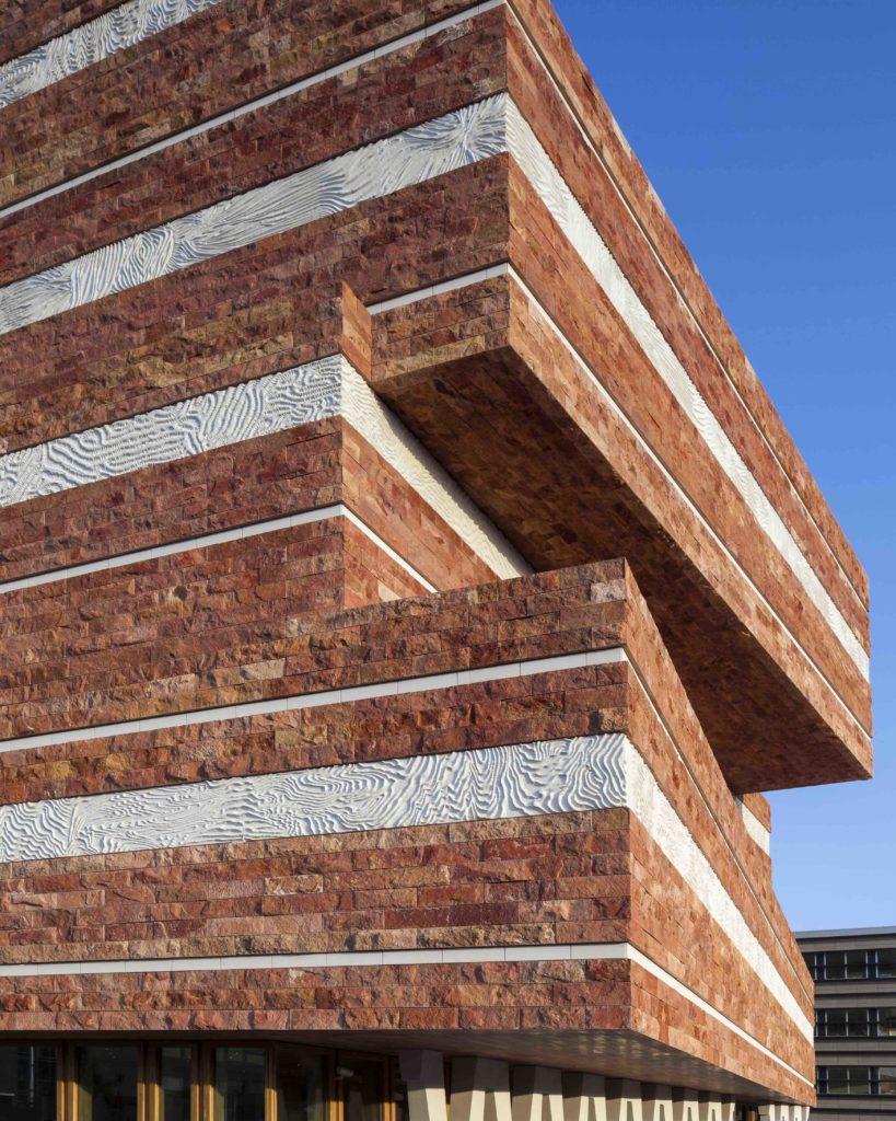 Fassaden-Detail: Neubau des Naturalis Centers. (Foto: ScagliolaBrakkee / © Neutelings Riedijk Architects)