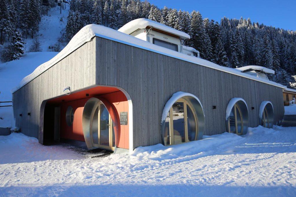 Camping Pradafenz: Der Haupteingang zur revitalisierten Anlage. (Foto: RitterSchumacherAG)
