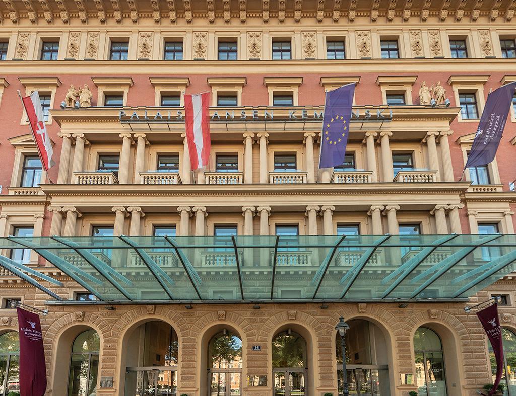 """Prachtvolles """"Herzensprojekt"""": Das vor 150 Jahren von Ringstraßen-Architekt Theophil Hansen gestaltete Palais Kempinski erstrahlt in neuem Glanz – als modernes Top-Hotel mit großer Geschichte (Foto: Nagl)"""