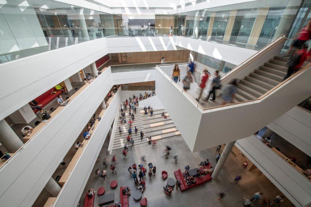 Henning Larsens Design sorgt für viel Tageslicht auf allen Ebenen. Foto: Alex Fradkin