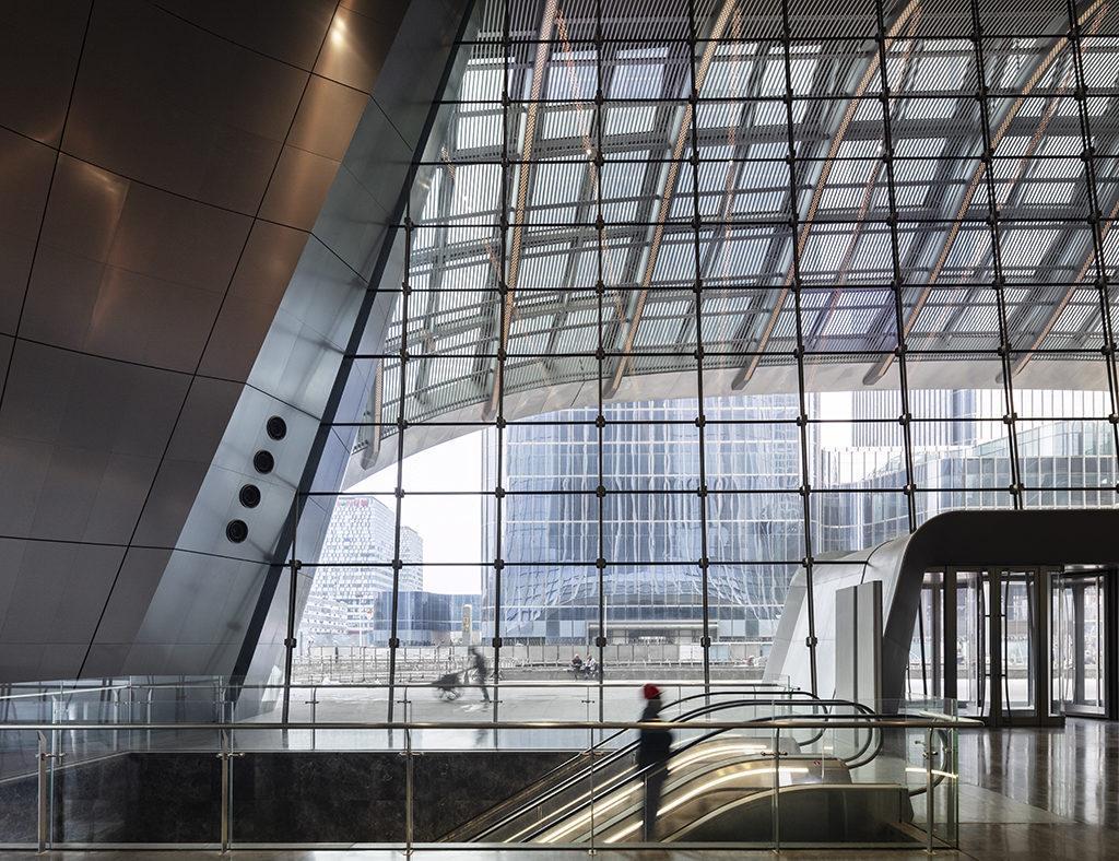 Einladende Transparenz: Das Gebäude soll Besucher locken. (Foto: HG Esch)
