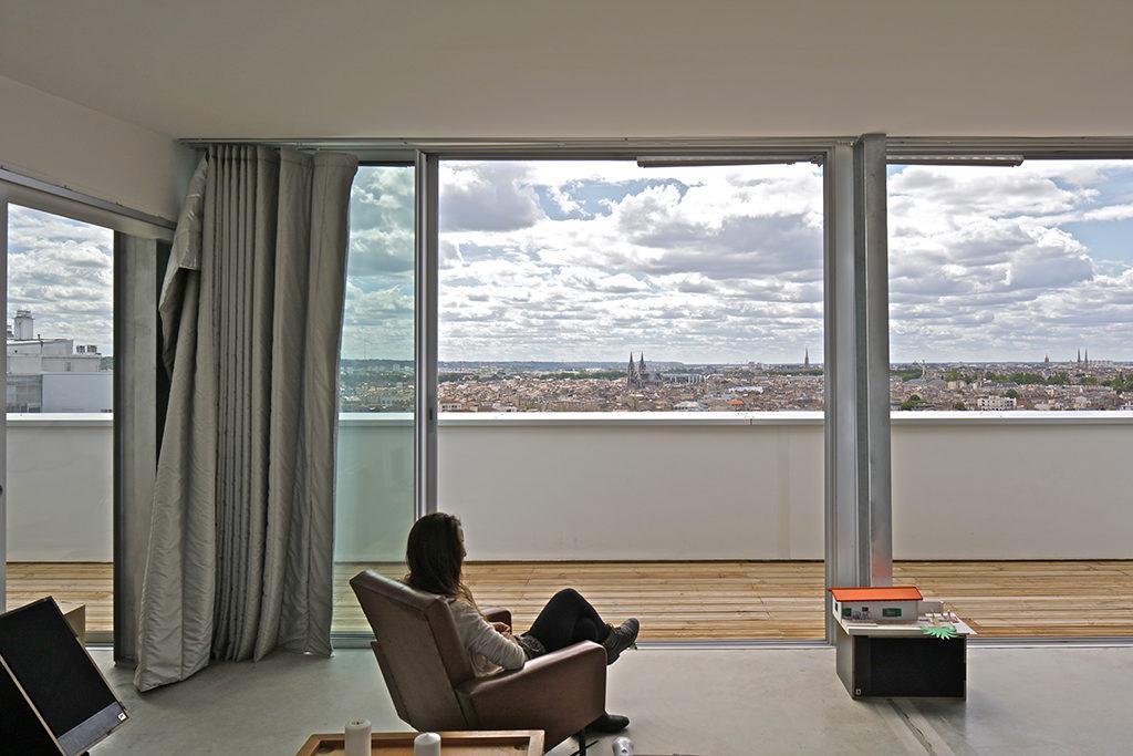Wohnraum im Siegerprojekt: Architektur, die Wohlbefinden schafft. (Foto: Philippe Ruault)