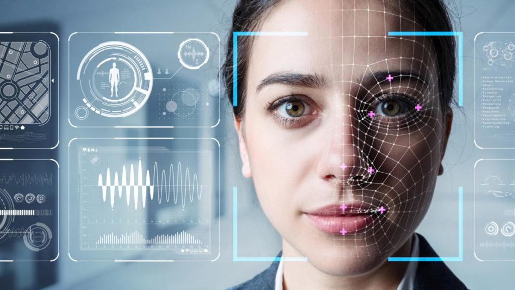 Automatische Gesichtserkennung an der Hotel-Rezeption