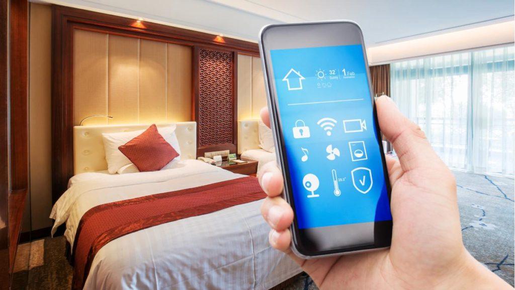 Alles ist synchronisiert im Hotelzimmer der Zukunft