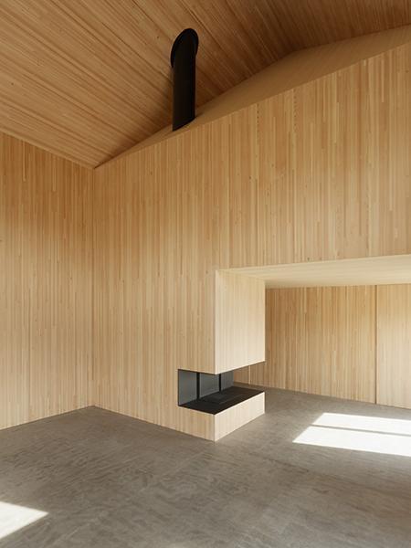 Skulpturale Raumgeometrie im Wohnhaus Bruderberg. (Foto: Beat Bühler)