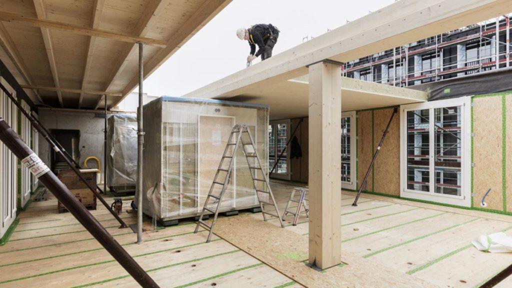 Moderner Holzbau: Leichtere Planung und kürzere Bauzeit durch Digitalisierung und Vorfertigung. (Foto: Beat Bühler)