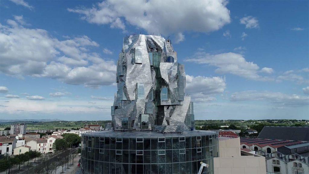 Frank Gehrys neuer Turm in Arles