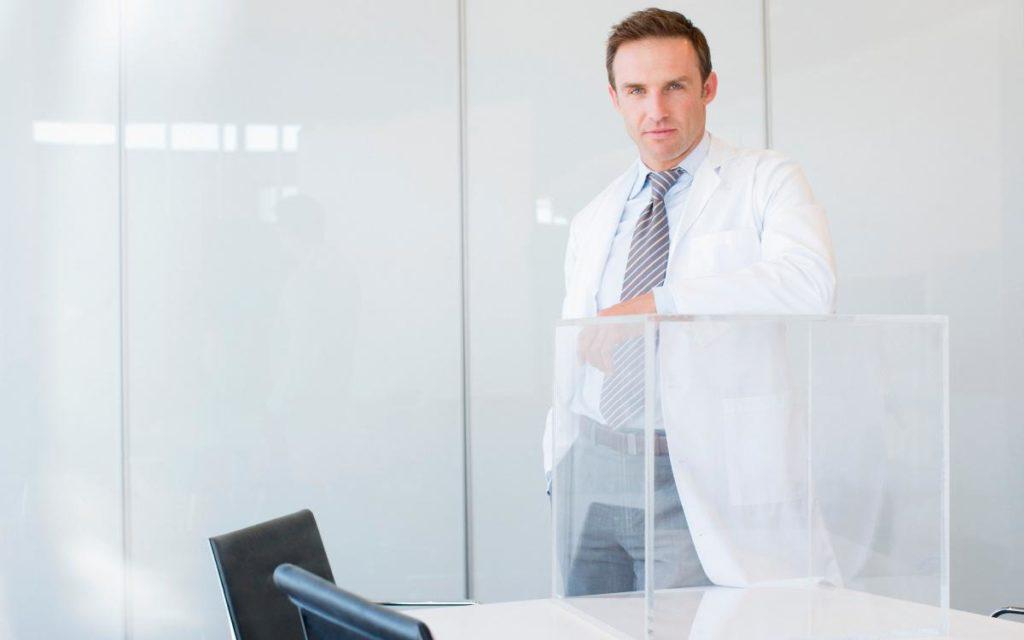 Forscher vom Fraunhofer-IWM machen eckige Glasfronten