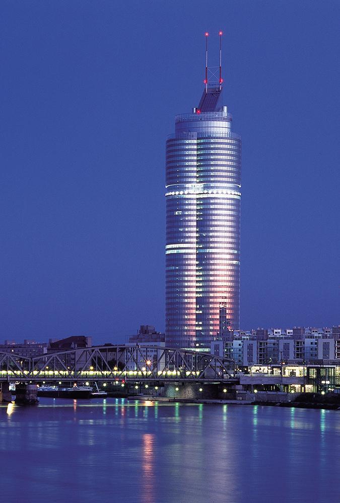 Der Millenium Tower (Podrecca, G. Peichl & R.F. Weber, 1999). (Foto: Monika Nikolic)