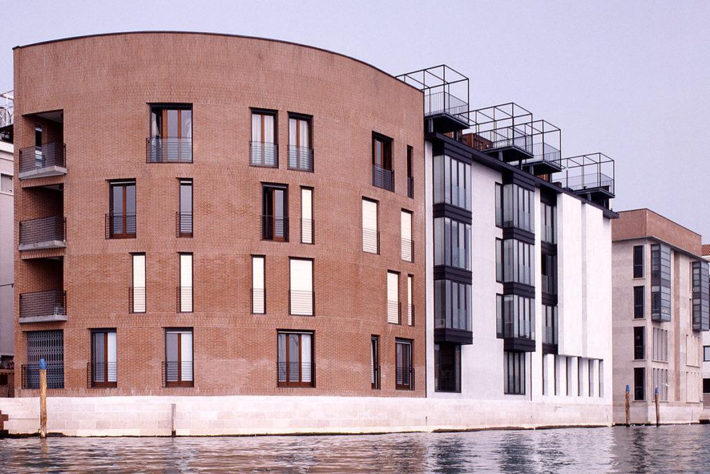 ... Giudecca, Venedig (2003 fertiggestellt). (Foto: Marco Zanta)