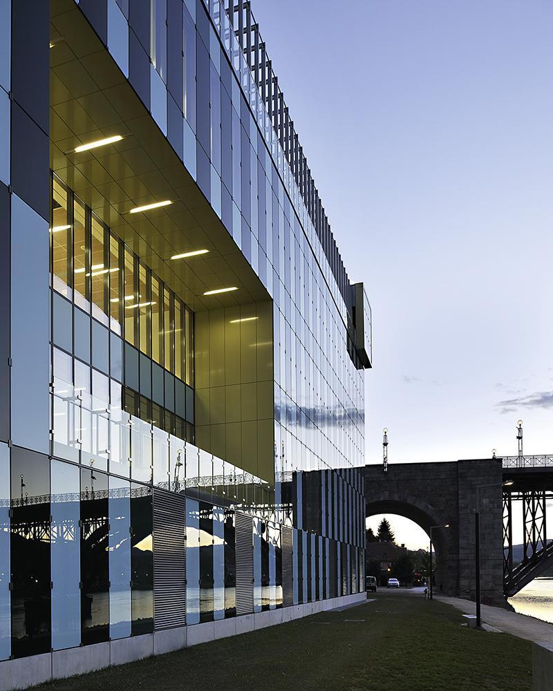 Die Medizinische Fakultät der Universität Maribor ... (Foto: Miran Kambič)