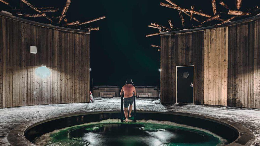 Floating Spa, Arctic Bath