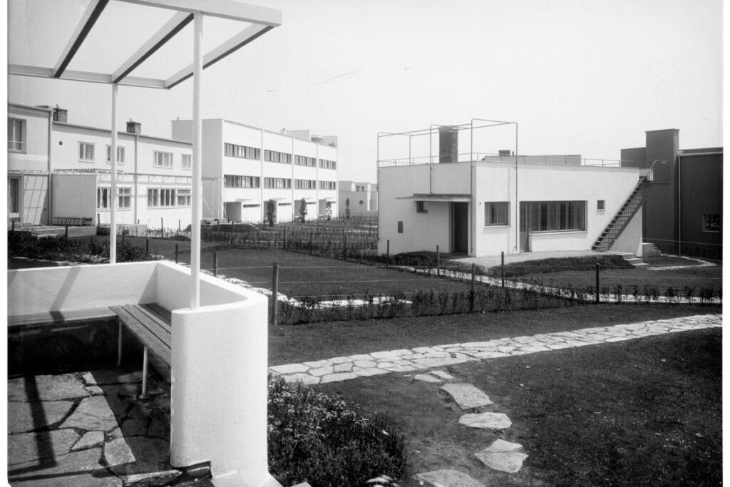 Richard Neutras einziges in Österreich verwirklichtes Gebäude steht in der legendären Wiener Werkbundsiedlung. (Foto: Martin Gerlach jun. © Wien Museum)
