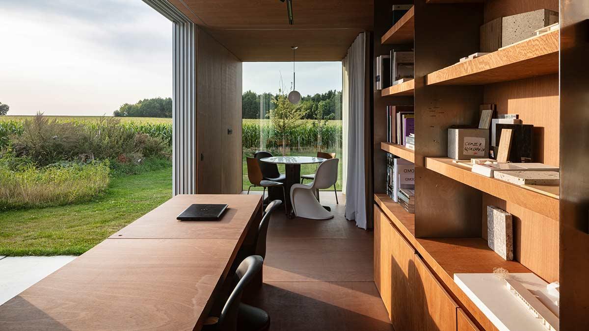 Cowes, Tiny Office im belgischen Westouter