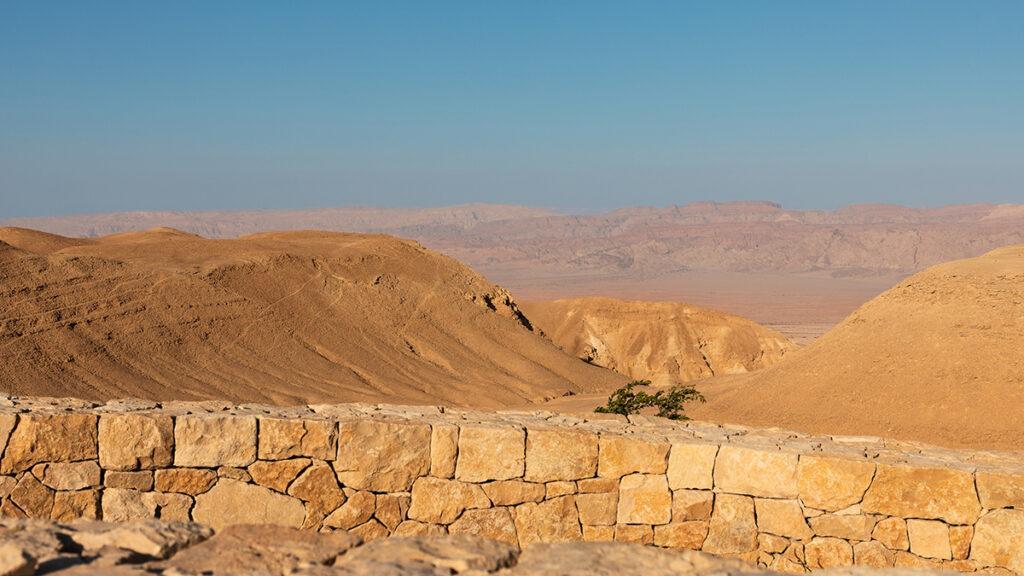 """Six Senses"" lockt ins Bibel-Land: Blick vom Six Senses Shaharut über die Edom Berge. (Foto: Six Senses)"