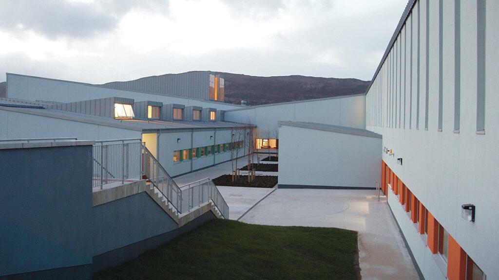 Die Kunst der Pritzker-Siegerinnen: Die perfekt durchdachte Loreto Community School in Milford, Irland ... (Foto: Ros Kavanagh)