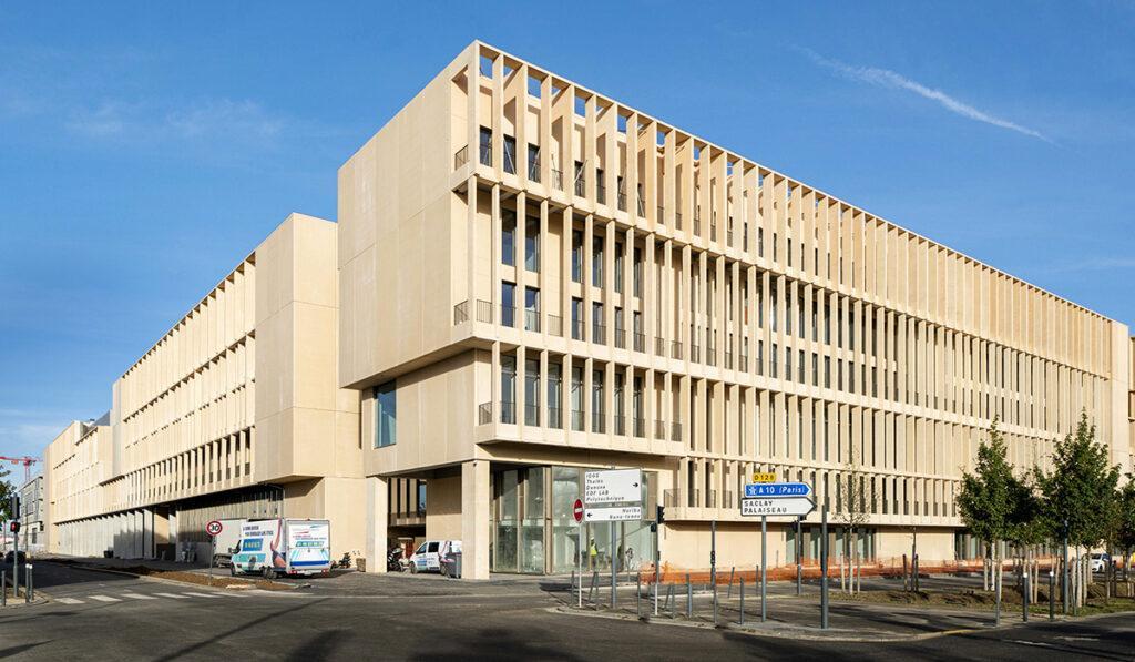 Die Kunst der Pritzker-Siegerinnen: Das neue Institut Mines Télécom in Paris (Foto: Alexandre Soria)