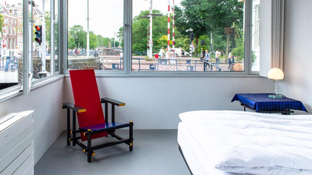 Stuhl im Stil von Gerrit Rietveld