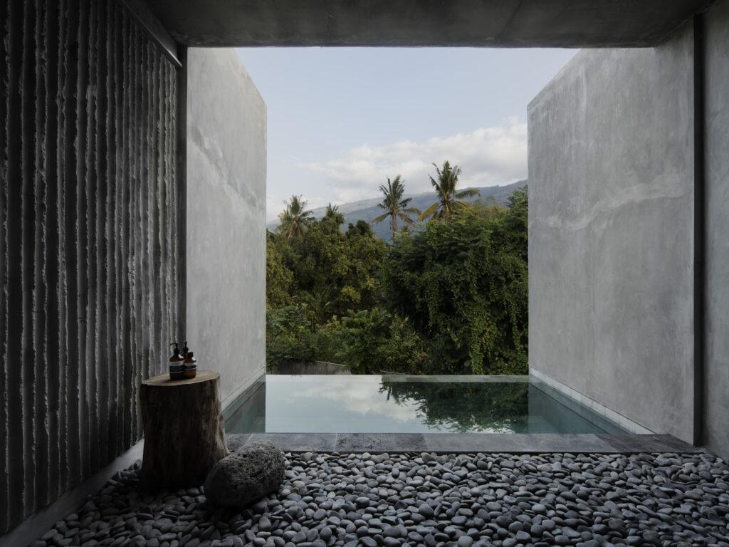 """Purismus ist DAS Ding im """"Tiing"""". Fokus auf """"Draußen"""" im neuen Resort an Balis Nordküste. (Bild: Ben Hosking für Brunsdon)"""