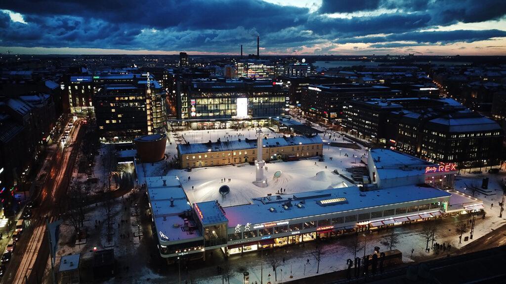 Überirdisch unterirdisch: Amos Rex! Zentral gelegen, von anderen Museen umringt und auch im Winter als Treffpunkt gefragt: Helsinkis neues Kunstmuseum.  (Bild: Aaro Artto)