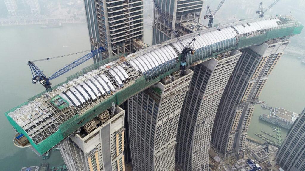 Horizontal skyscraper under construction