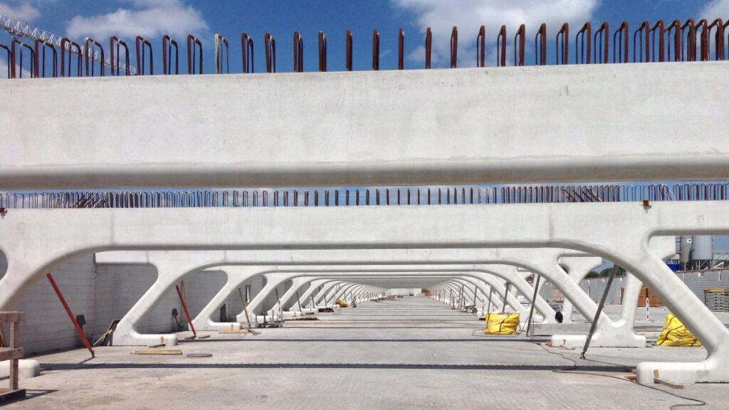 Stahlkonstruktion und Beton