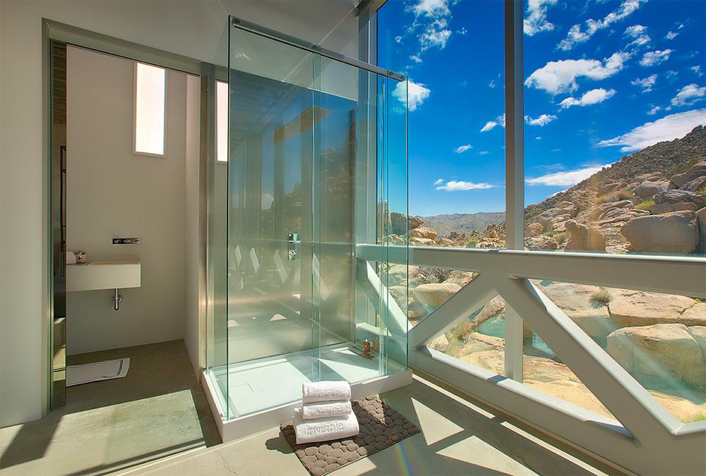 Showering with a panoramic view in Invisible House