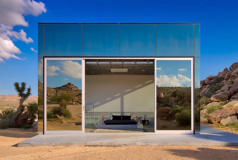 Sliding doors on the mirror house