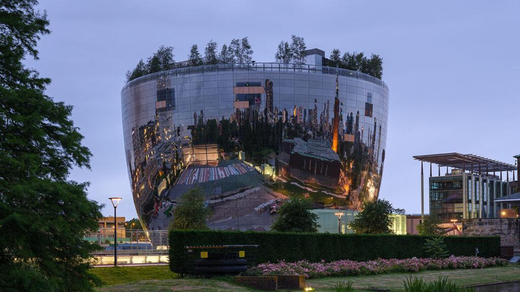 The art depot in Rotterdam's Museum Park.