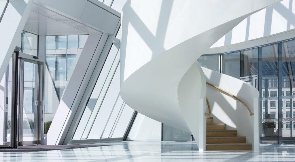 Treppe im Inneren des Atriums