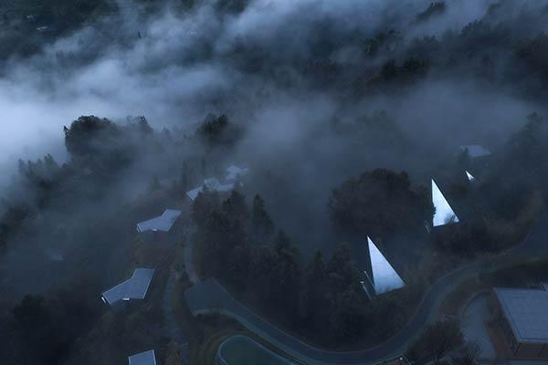 Von oben, Mountain and Cloud Cabins