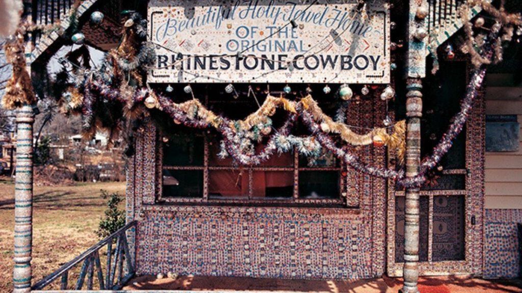 Bowlins Rhinestone Cowboy House
