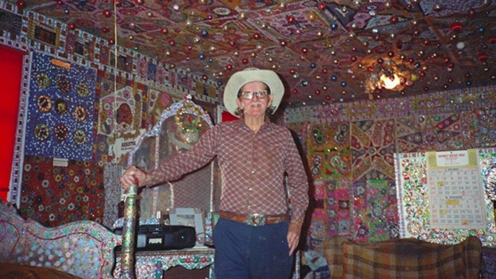 Loy Bowlin in seinem Haus
