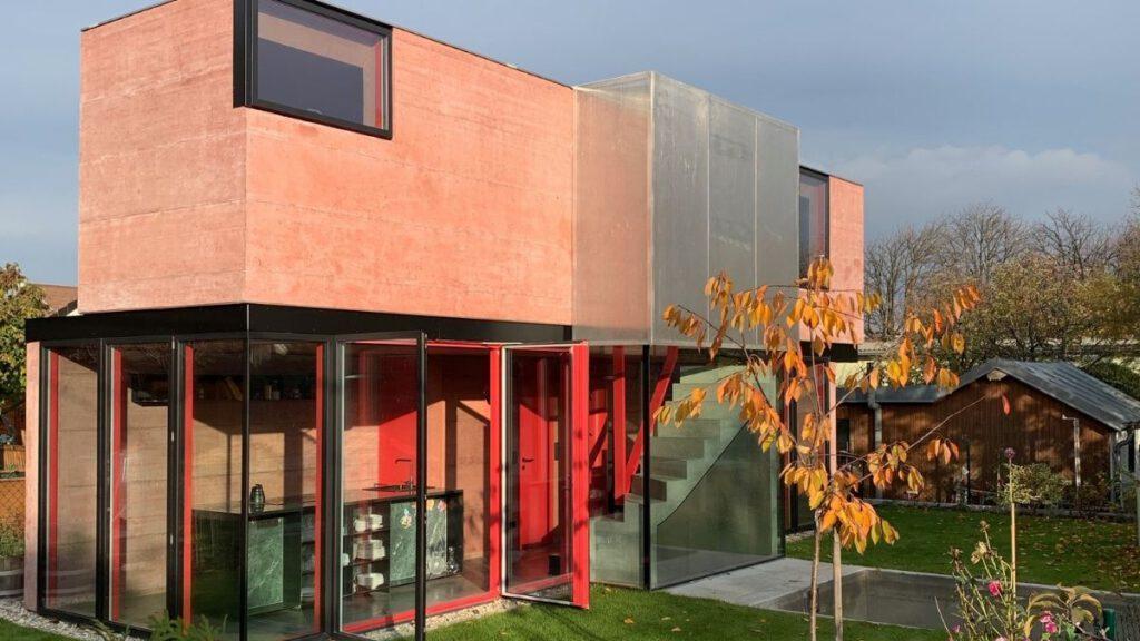 Pink Flamingo in der Kleingartensiedlung Zur Zukunft in Wien 1150