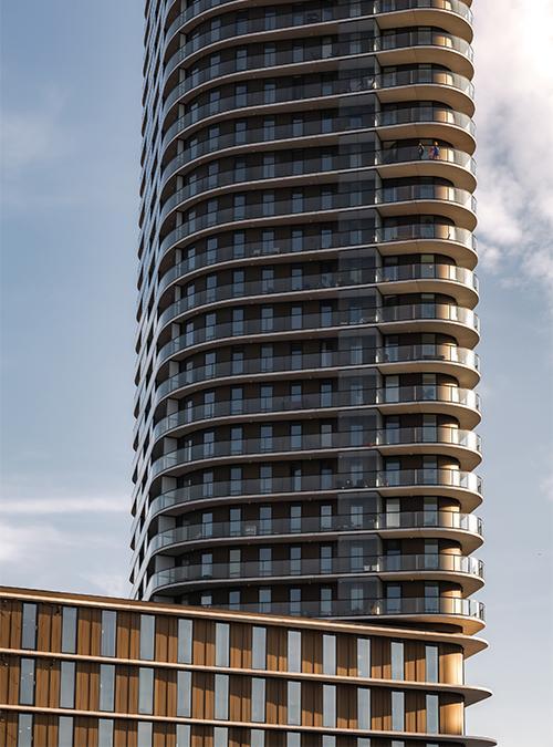 """""""Der Klimawandel ändert alles"""". Das Mixed-Use Hochhaus Amstel Tower belebt ein Stadtviertel von Amsterdam. (Bild: Sebastian van Damme)"""