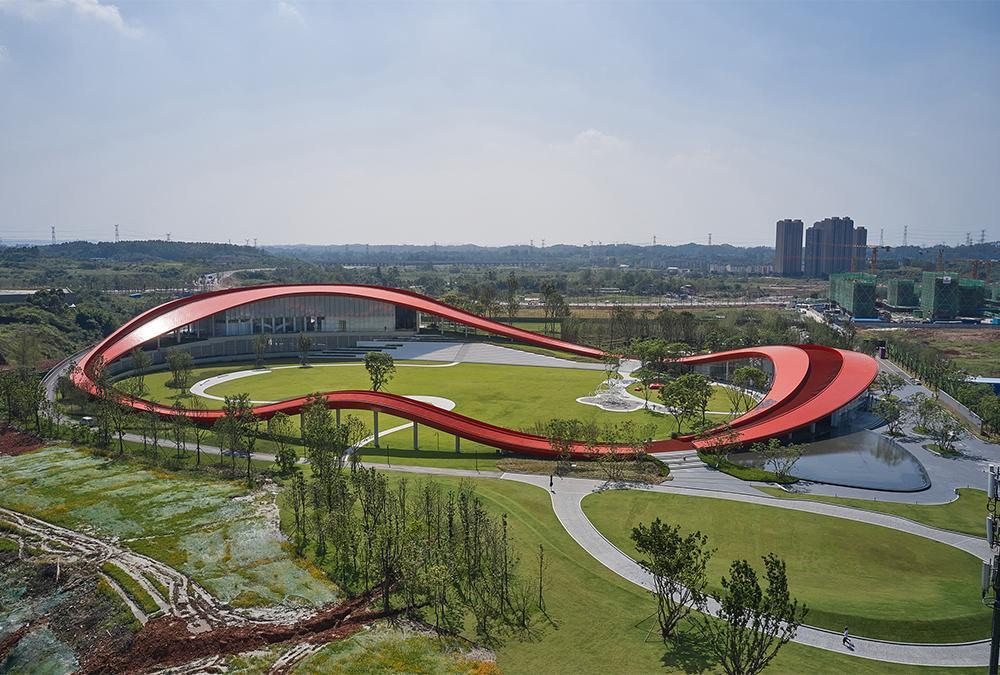 """""""Der Klimawandel ändert alles"""". """"Loop of Wisdom"""" in China: 3D-Modelle erleichterten die Fertigung tausender speziell gebogener Elemente. (Bild: Jonathan Leijonhufvud)"""