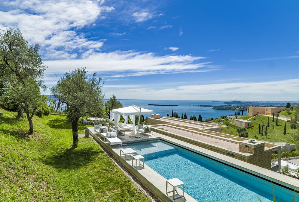 """Chipperfield am Gardasee im """"Eden"""" für Design-Verliebte. (Bild: Eden Reserve, Hotel & Villas)"""