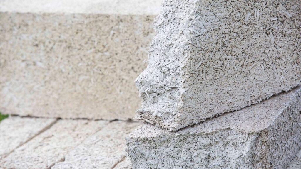Hanfstein, eine Mischung aus Hanfschäben und Kalk
