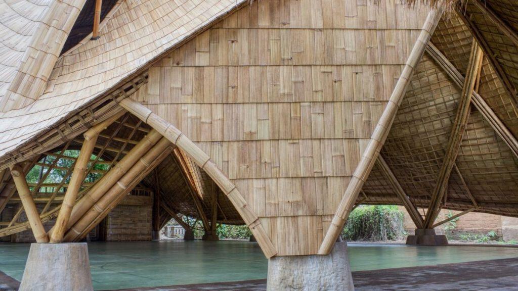 Das Dach von The Arc wirkt wie auf die Struktur drapiert.