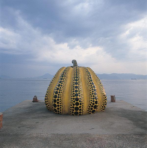 Pumpkin, Yayoi Kusama, Naoshima